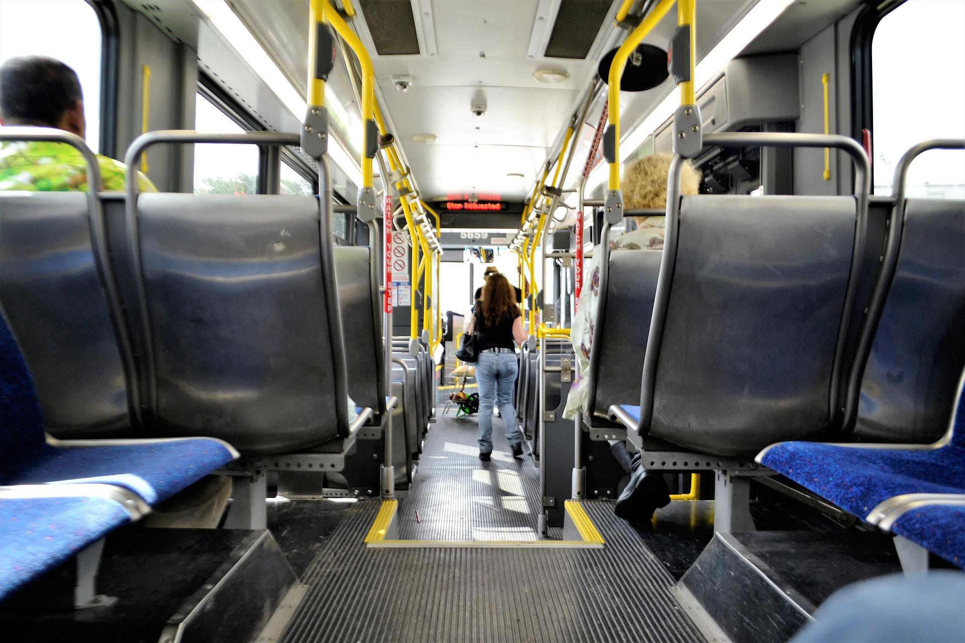 metro-bus-2825217_1920